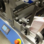 udaFORMAXX I Small Cartons Labelling with ALS Labeller PrintSafe